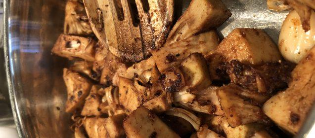 BBQ Shredded Jackfruit Sliders